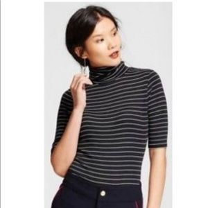 Fitted Striped Turtle Neck Size M